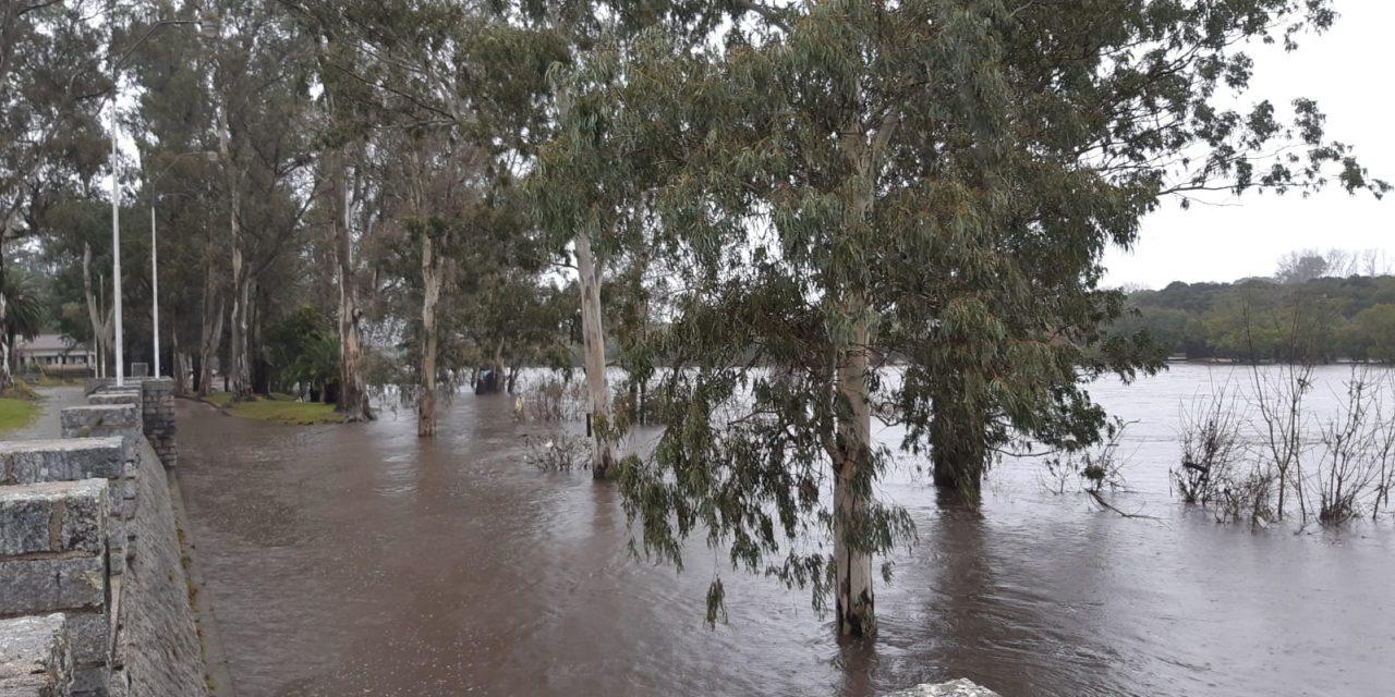 Fueron evacuadas 16 personas por inundaciones en Cerro Largo