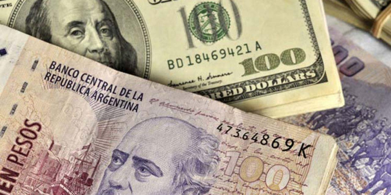 """Argentina: Tres tipos de dolar y el """"rebusque permanente"""""""