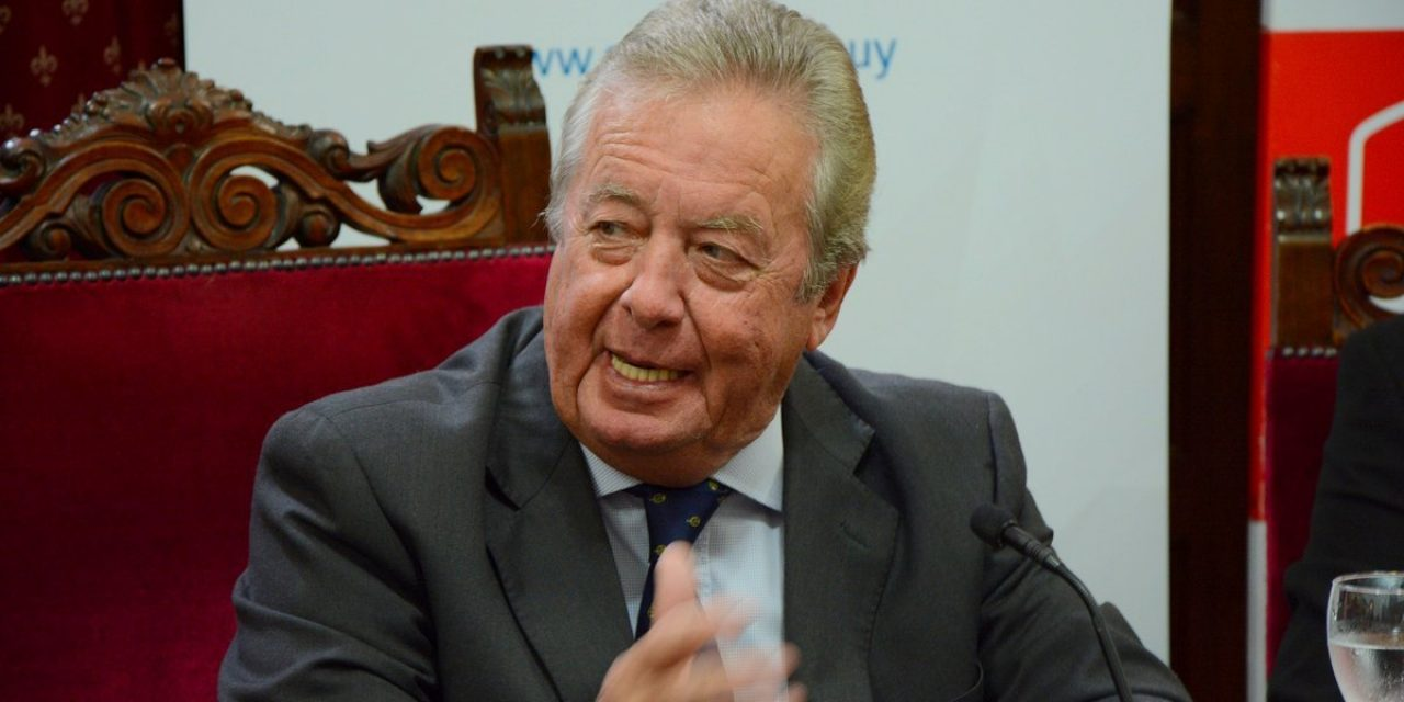 Moreira y el clientelismo político: la columna de Antonio Ladra