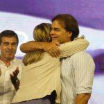 """Lacalle Pou advierte que """"el triunfalismo es veneno para una coalición"""" y que """"no está todo el pescado vendido"""""""