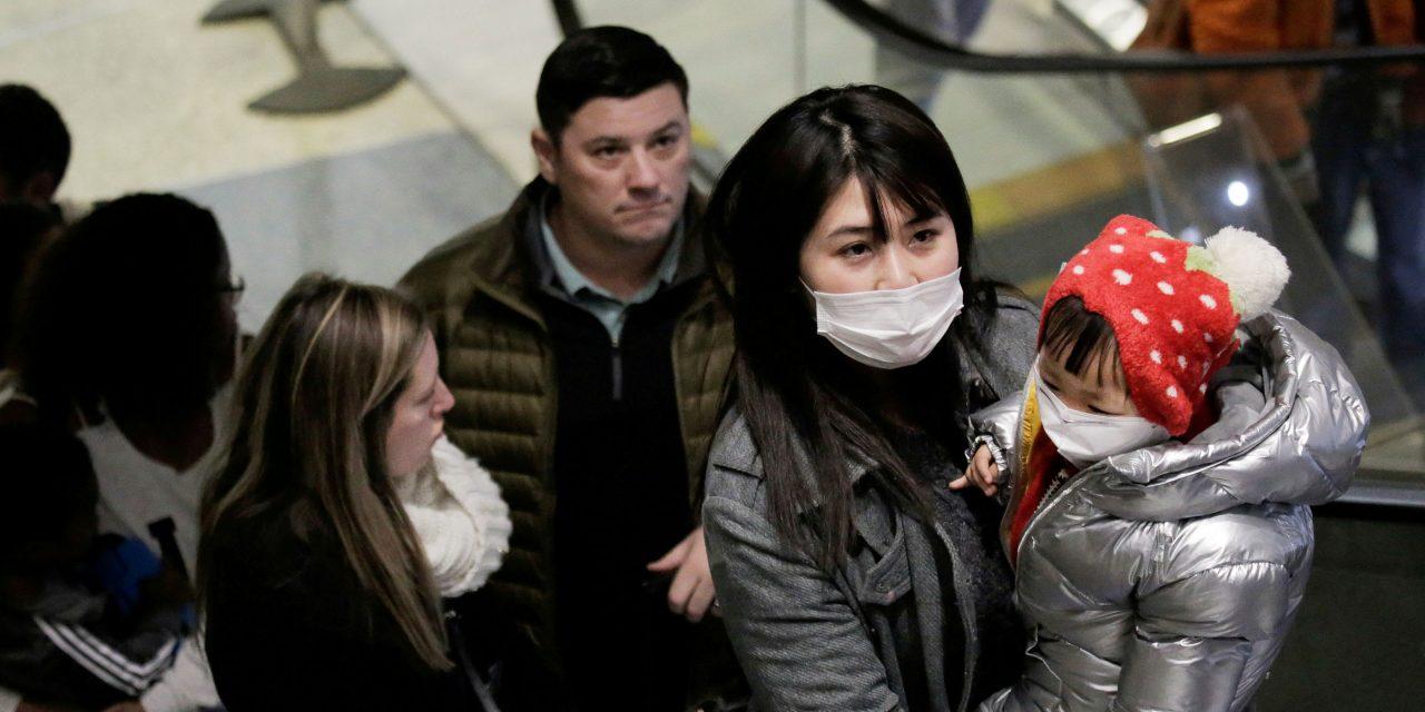 """Estados Unidos da un """"paso atrás"""" en la pandemia"""