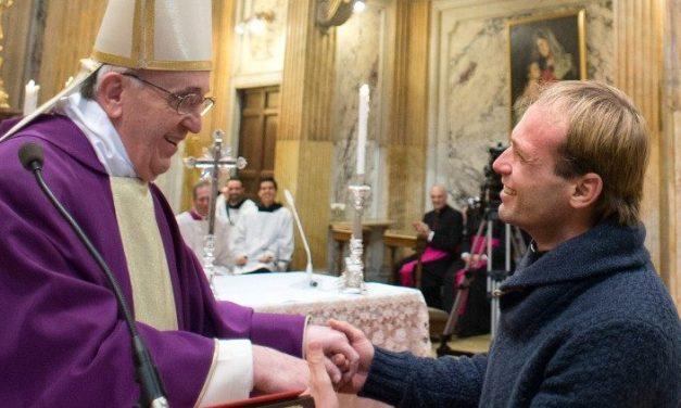 El Sacerdote uruguayo Gonzalo Aemilius es el nuevo secretario particular del Papa Francisco