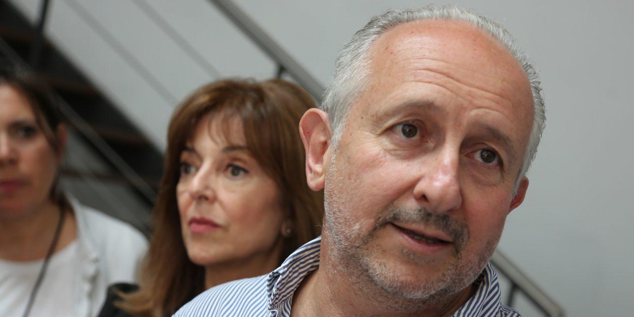 "Da Silveira responde a las críticas: ""Tenemos tres millones de expertos en políticas sanitarias"""