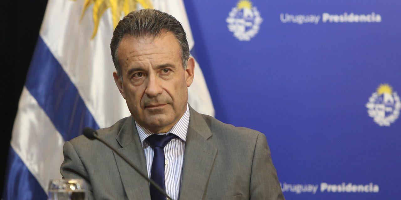 """Salinas sostuvo que están """"totalmente controlados"""" dos de los tres brotes de Covid-19 en Rivera"""