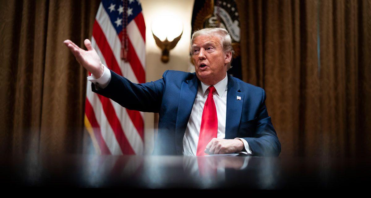 Irán emitió una orden de arresto para Donald Trump