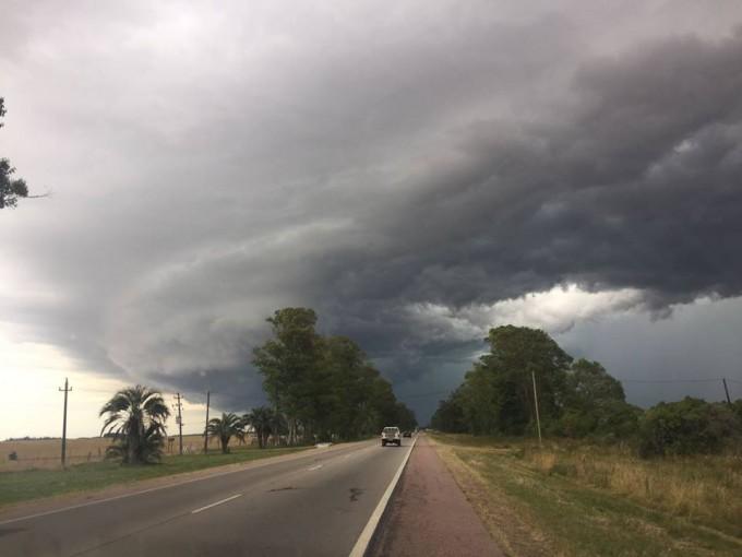 Tormenta en Cerro Largo afectó a 10 familias en la localidad de Sarandí de Barcelo