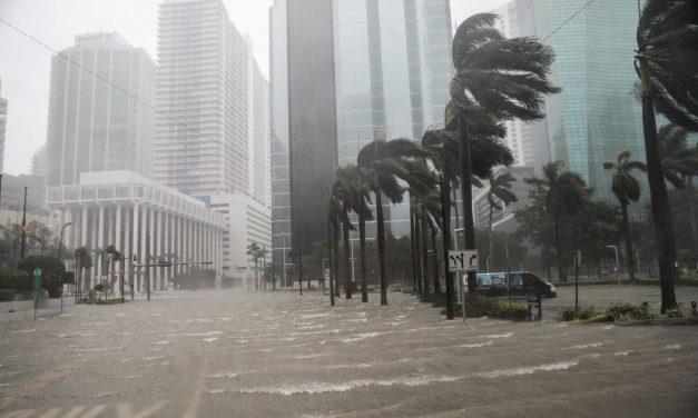 """Un nuevo huracán en Estados Unidos y el """"milagro"""" de Hawái"""