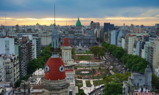 Al igual que los famosos, las empresas piensan en cómo salir de la Argentina
