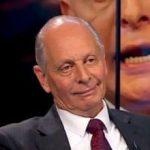 Gustavo Salle asegura que no dejaron entrar a un posible comprador al remate del avión presidencial