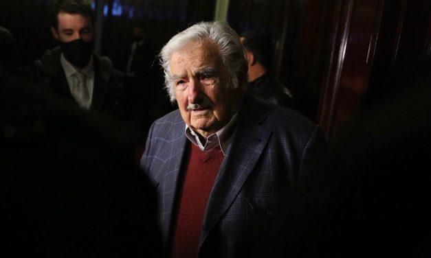 """""""El Parlamento es una sopa boba porque no pasa nada"""": las últimas palabras de Mujica en el Senado"""