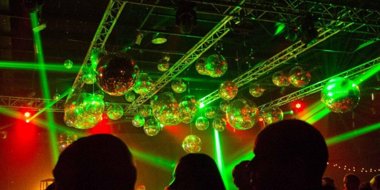 Organizadores de fiestas aseguran que los salones habilitados cuentan con protocolo aprobado