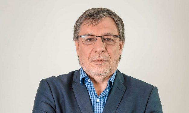 """Antonio Ladra: """"""""Los medios de comunicación son partícipes de su propio enterramiento"""""""