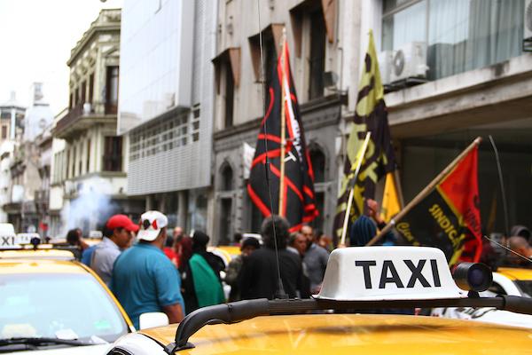 """Suatt: """"Dourado y toda la patronal del taxi hace lo que quiere con los gobiernos y trabajadores"""""""