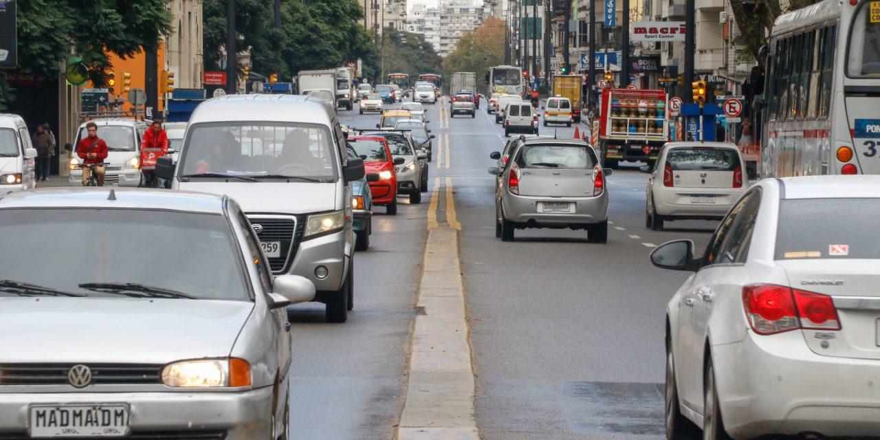 Se vendieron 4.893 vehículos en marzo de 2021, el doble que en 2020