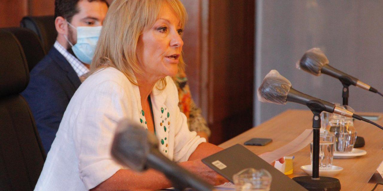 Carolina Cosse anunció que no se extiende horario de cierre de locales gastronómicos