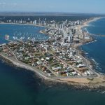 Paseos aéreos sobre Punta del Este y teletrabajo desde la playa