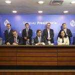 Mieres afirmó que tiene un diálogo fluido con Manini Ríos