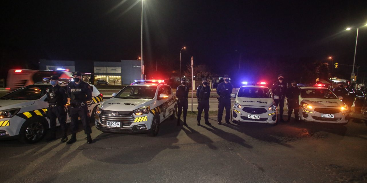 Tres policías fueron agredidos por cuatro jóvenes durante un control en Rocha