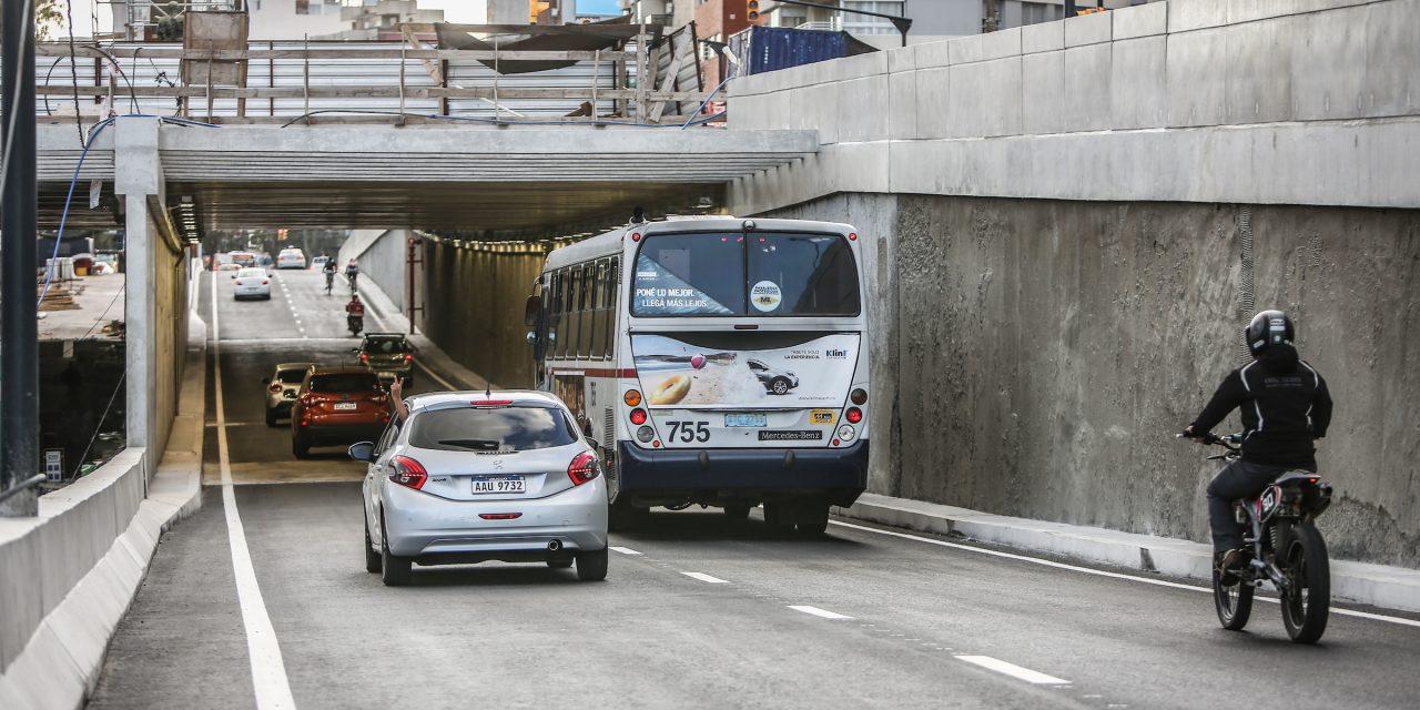Tras consultas y críticas, IM aclaró que la altura dentro del túnel en Avenida Italia es de 4,6 metros