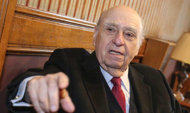 Sanguinetti dice que es un «error» propuesta de Cabildo para asentamientos; «no es de buena administración»