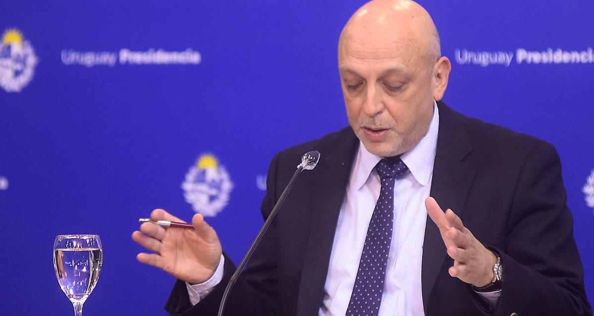 Radi dijo que las democracias «más consolidadas» tuvieron trayectorias «más benévolas» de la epidemia
