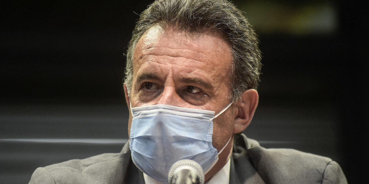 Unos 1.600 mayores de 70 años recibirán fecha de vacunación esta semana, dijo Salinas