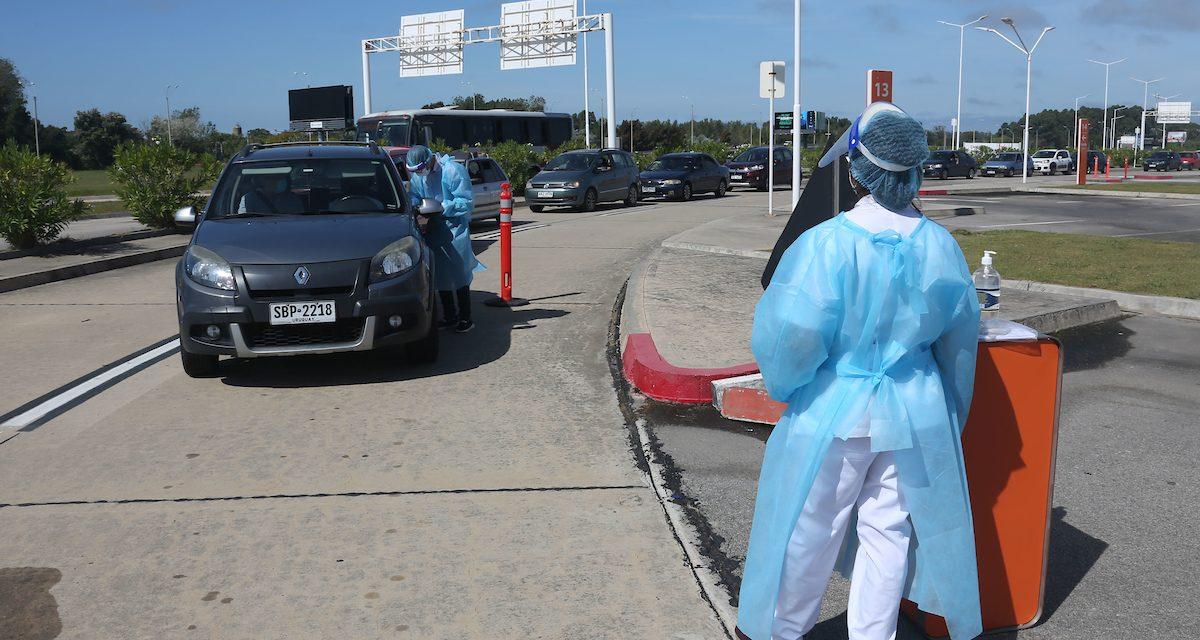 La Sociedad de Traumatología colaborará en la vacunación en el Aeropuerto de Carrasco