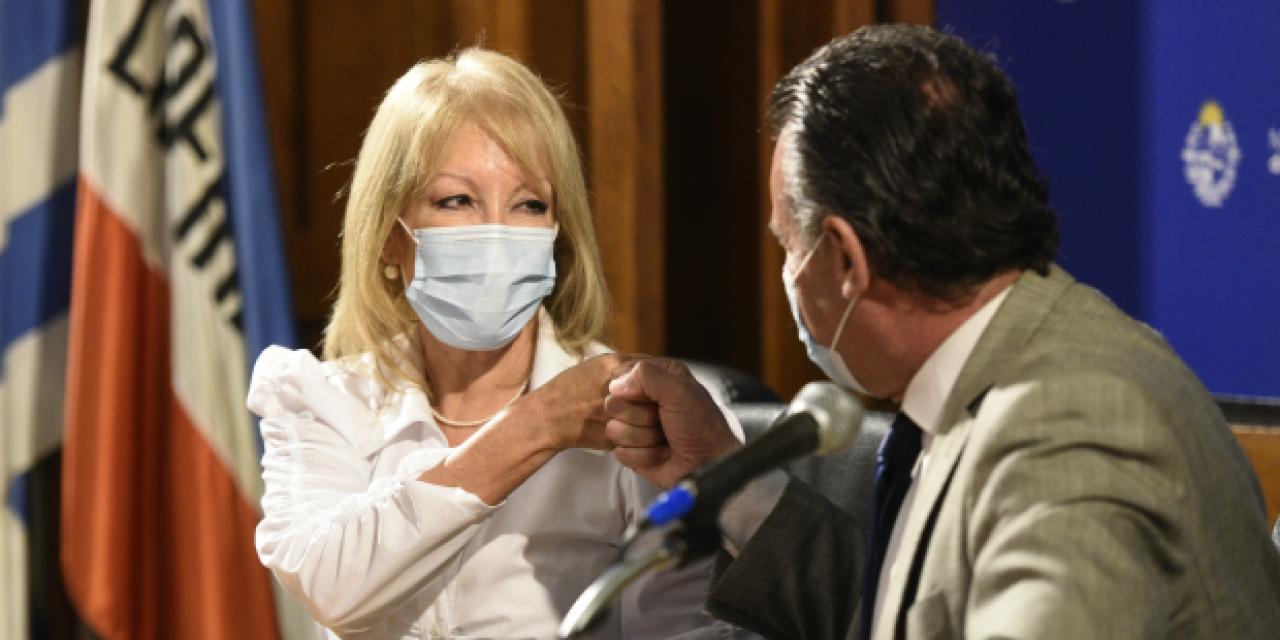 Cosse reiteró pedido a Salinas para que se priorice vacunación a funcionarios que realizan tareas esenciales