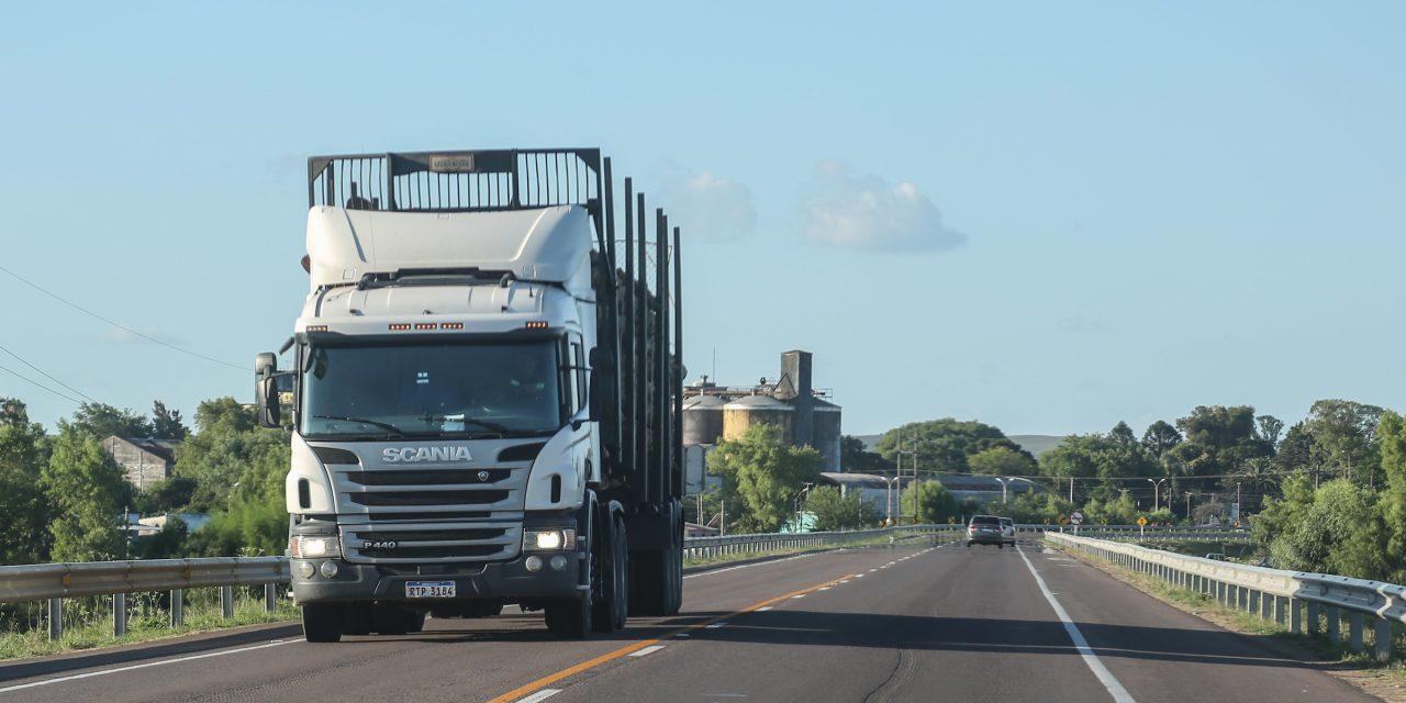 Camionero uruguayo fue detenido al intentar ingresar al país 215 kilos de cocaína por el puente San Martín