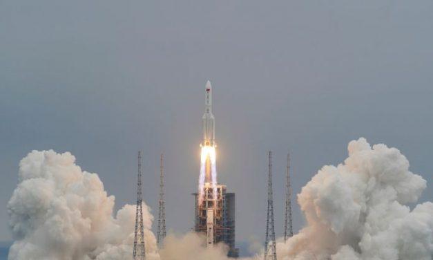 Restos del cohete chino se desintegraron y cayeron en el océano Índico cerca de las islas Maldivas