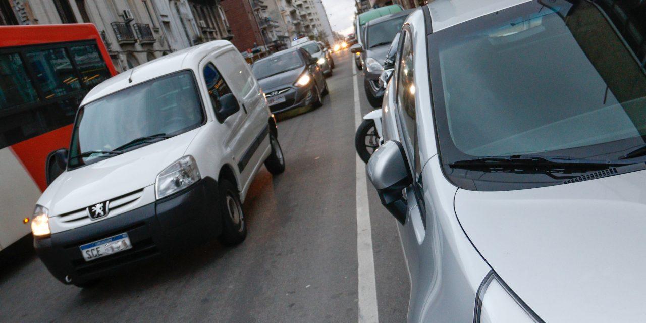 Exámenes de manejo irán al Prado por finales en el Centenario; academias no se presentarán si se mantiene ese lugar