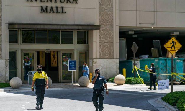 Dudas sobre el motivo del tiroteo en Aventura Mall: la columna de Alejandro Figueredo