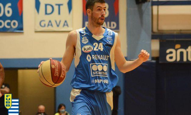 """Bruno Sansimoni: """"Malvín es un equipo muy largo, a disposición del entrenador hay 10 u 11 jugadores que pueden entrar tranquilamente"""""""