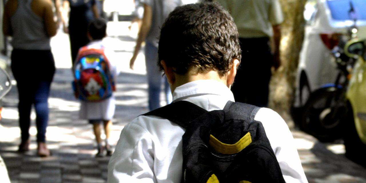 Los niños, otra vez, rehenes: la otra mirada de Punto de Encuentro