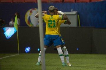 Brasil y Colombia líderes del Grupo A