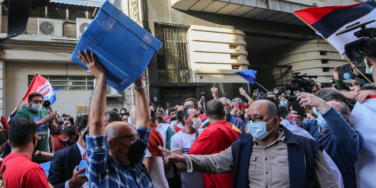 El 43% de los uruguayos votaría para mantener artículos de la LUC y el 34% para derogarlos, según Cifra