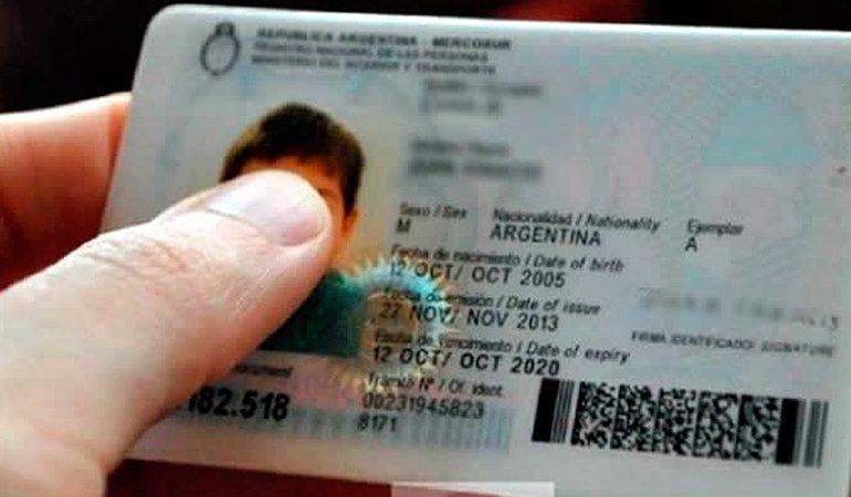 Argentina habilitó el documento de identidad para las personas no binarias: la columna de Ignacio Quartino