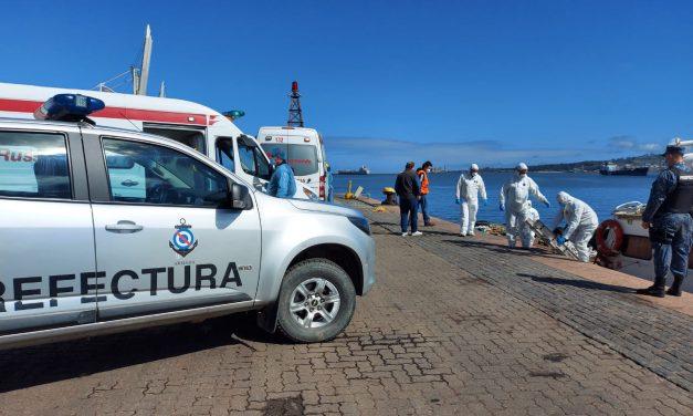 Desembarcan a tres tripulantes de un buque de bandera de Liberia con síntomas de Covid-19