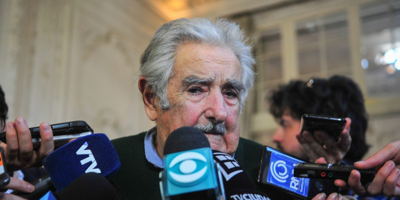"""Mujica: es """"positivo"""" el acuerdo del gobierno para Colonización pero el FA """"fue el que le dio más plata"""""""