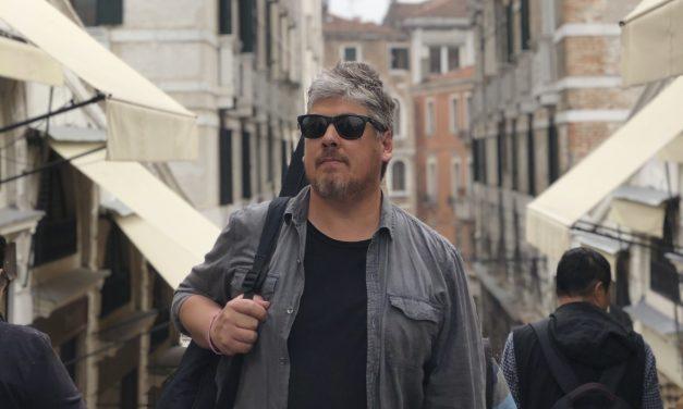 Río adentro: el nuevo concierto de Juan Manuel Barrios en Montevideo